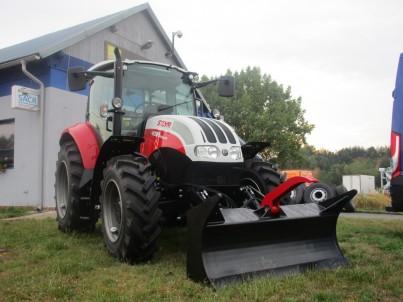 traktor STEYR Multi zepředu