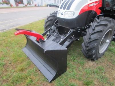 přední radlice traktoru