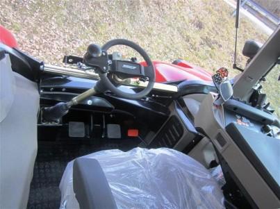 Vnitřek traktoru STEYR