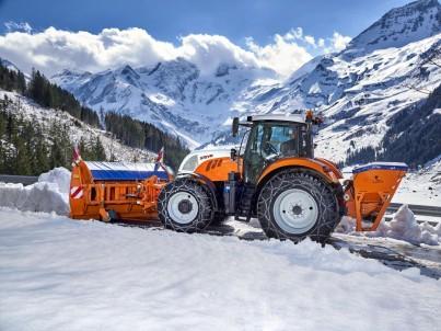 Fréza na sníh k traktoru Steyr - komunální technika