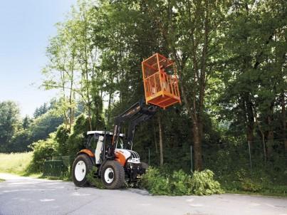 Plošiny na výškové práce k traktorům Steyr - komunální technika