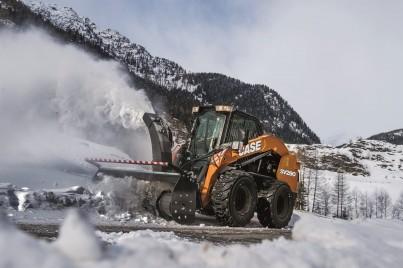 SV280 smykový nakladač při odklízení sněhu