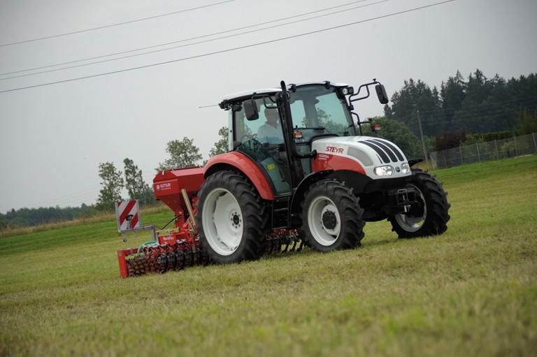 Steyr kompakt - obdělávání půdy