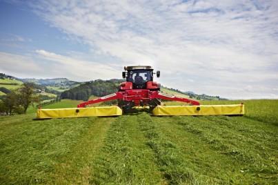 STEYR CVT sekání trávy