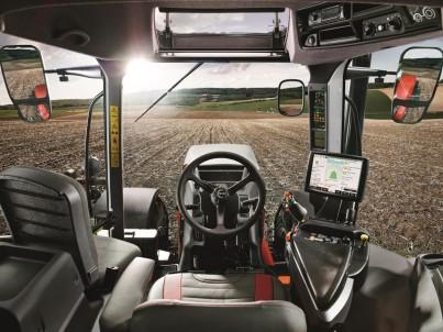 STEYR CVT kabina - pohled na volant