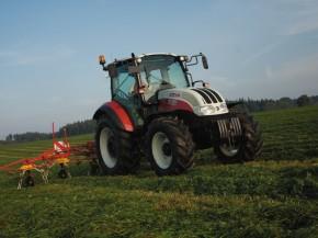Traktor Steyr Kompakt v akci