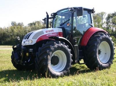 traktor STEYR Multi pohled zepředu
