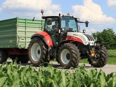 prodej traktorů STEYR Multi s přívěsem
