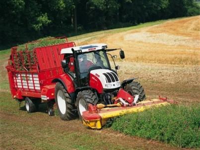 traktor STEYR CVT s přívěsem
